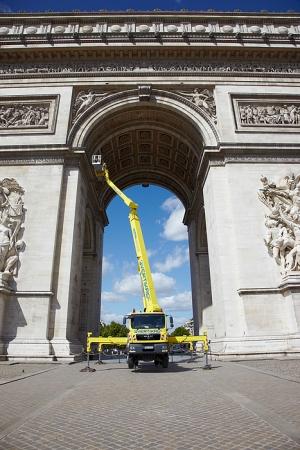 location d 39 un camion camion nacelle dans paris. Black Bedroom Furniture Sets. Home Design Ideas